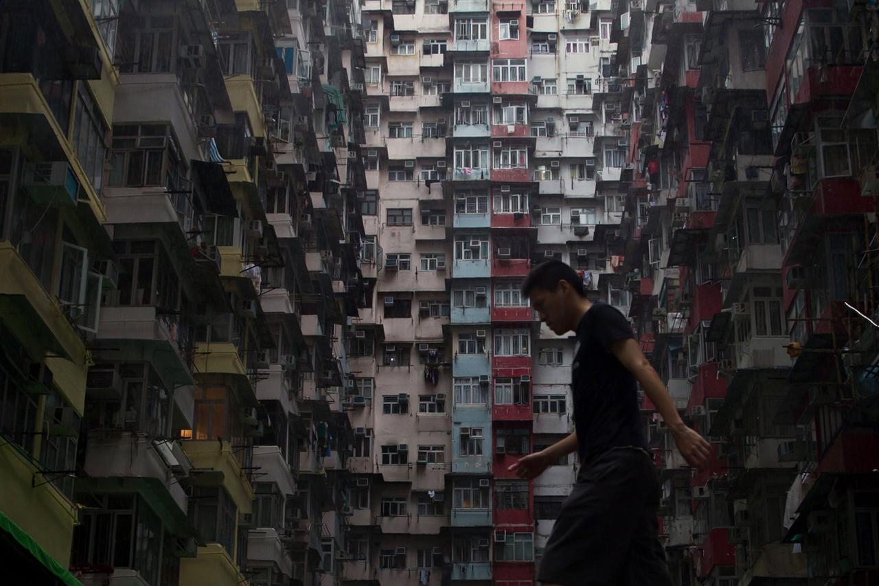 The Dizzying Cityscape of Hong Kong 10