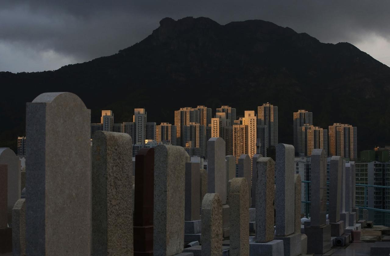 The Dizzying Cityscape of Hong Kong 13