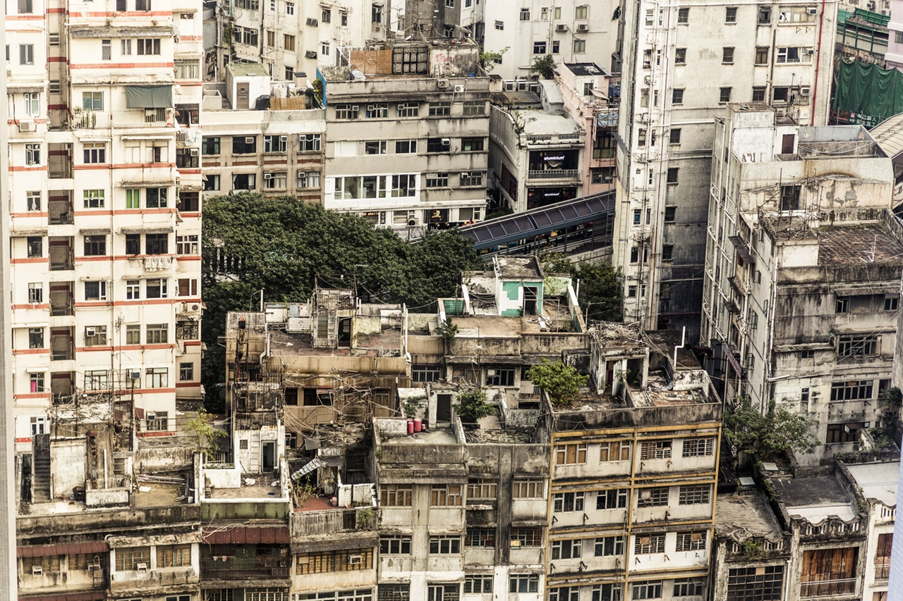 The Dizzying Cityscape of Hong Kong 19