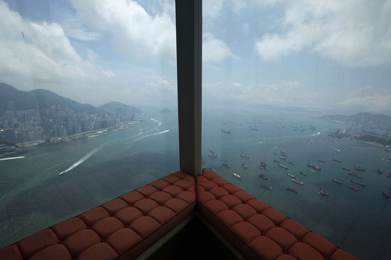 The Dizzying Cityscape of Hong Kong 21