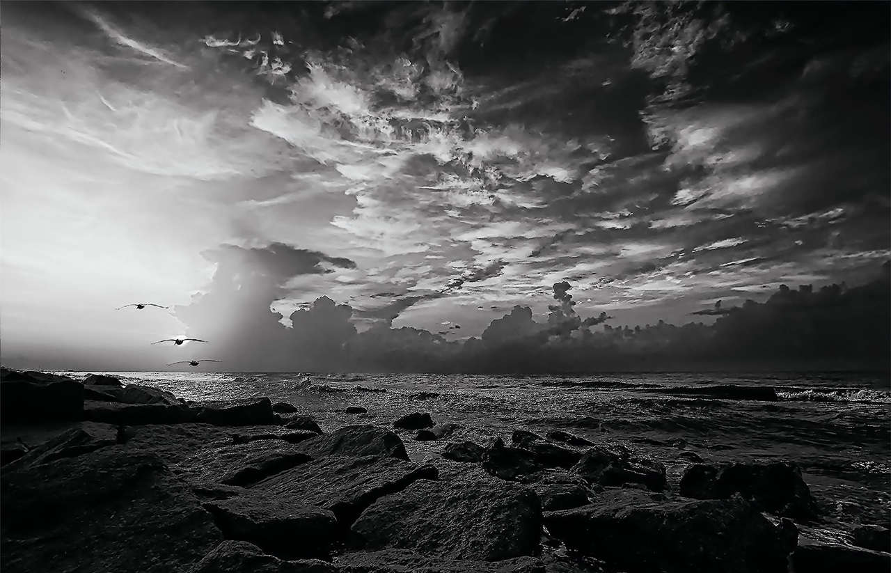 The art of black and white photography Enrique Pelaez 01