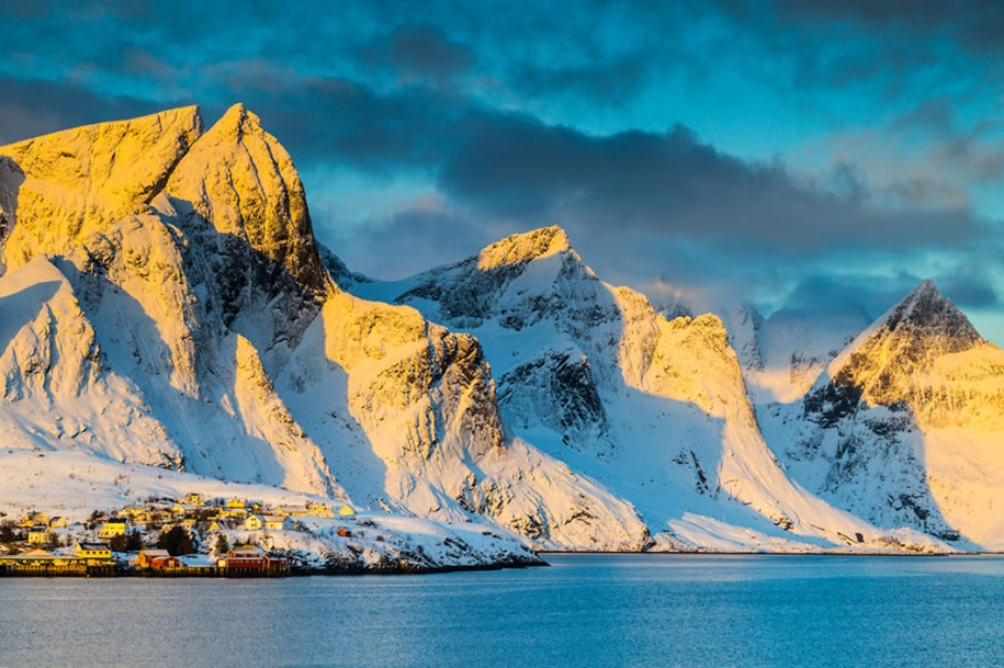 Winter landscapes of the Lofoten Islands 04