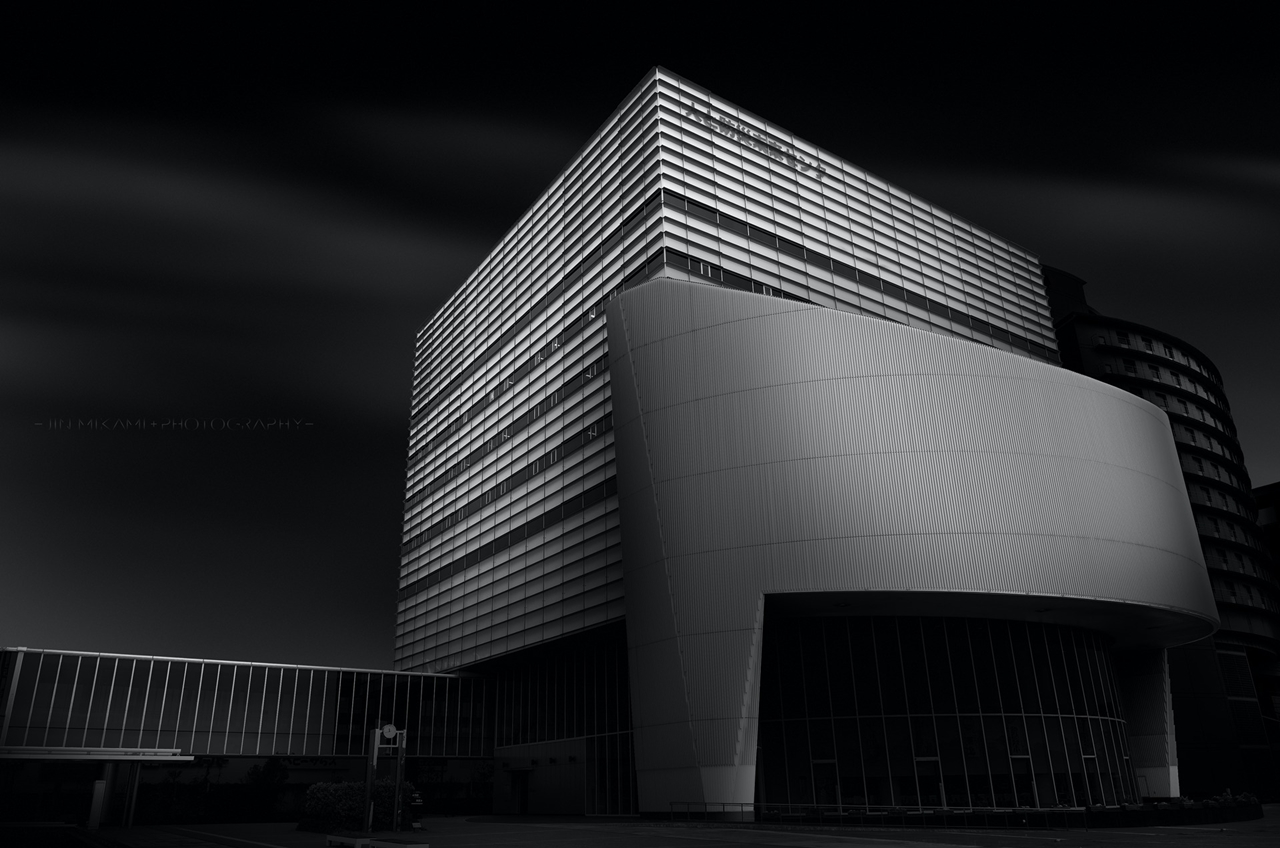 Black and white architecture from the photographer Jina Mikami 01