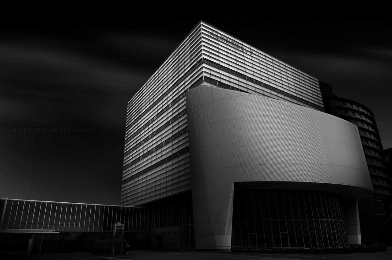 Черно-белая архитектура от фотографа Джина Миками