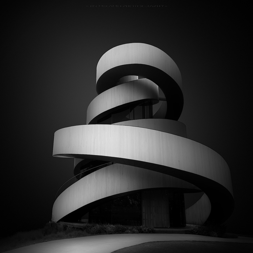 Black and white architecture from the photographer Jina Mikami 02