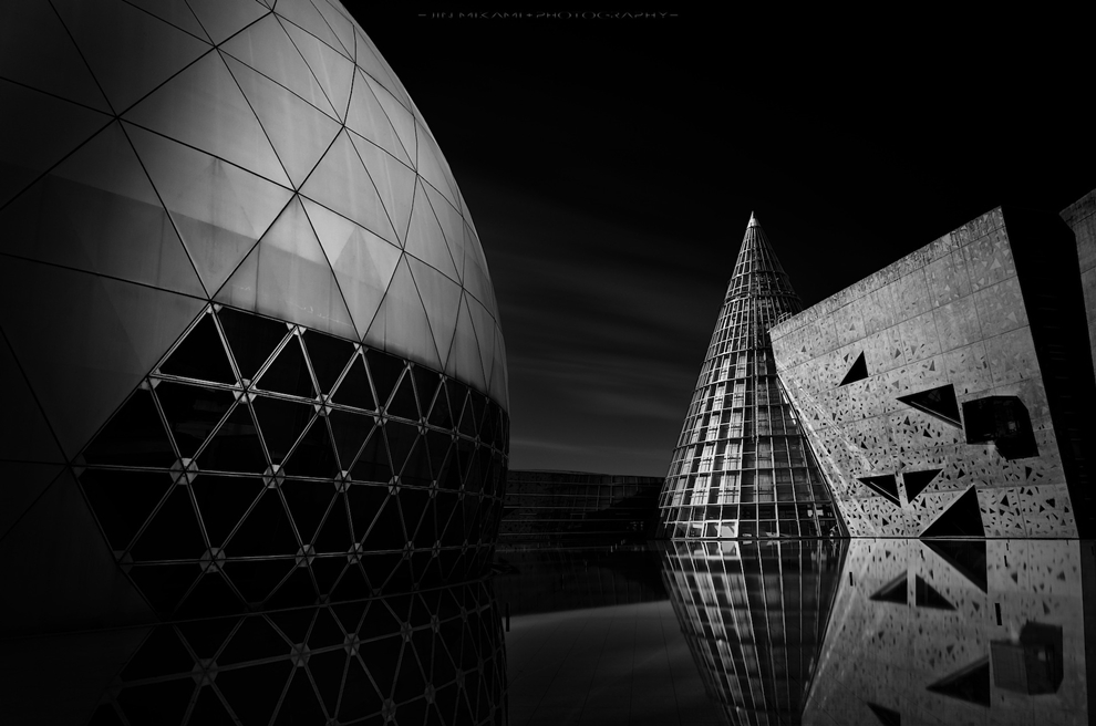 Black and white architecture from the photographer Jina Mikami 04