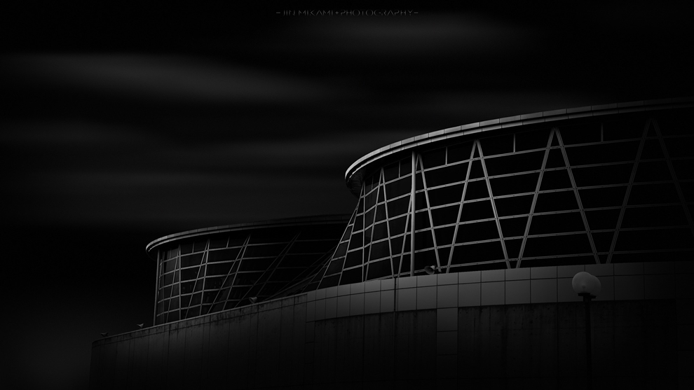 Black and white architecture from the photographer Jina Mikami 14