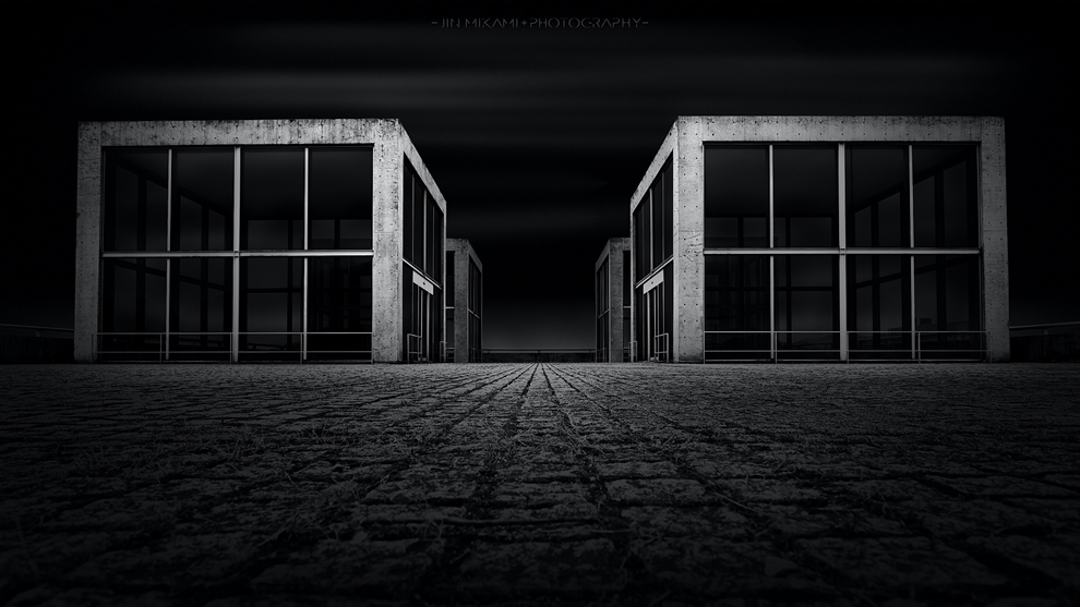 Black and white architecture from the photographer Jina Mikami 17