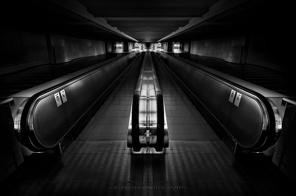 Black and white architecture from the photographer Jina Mikami 29
