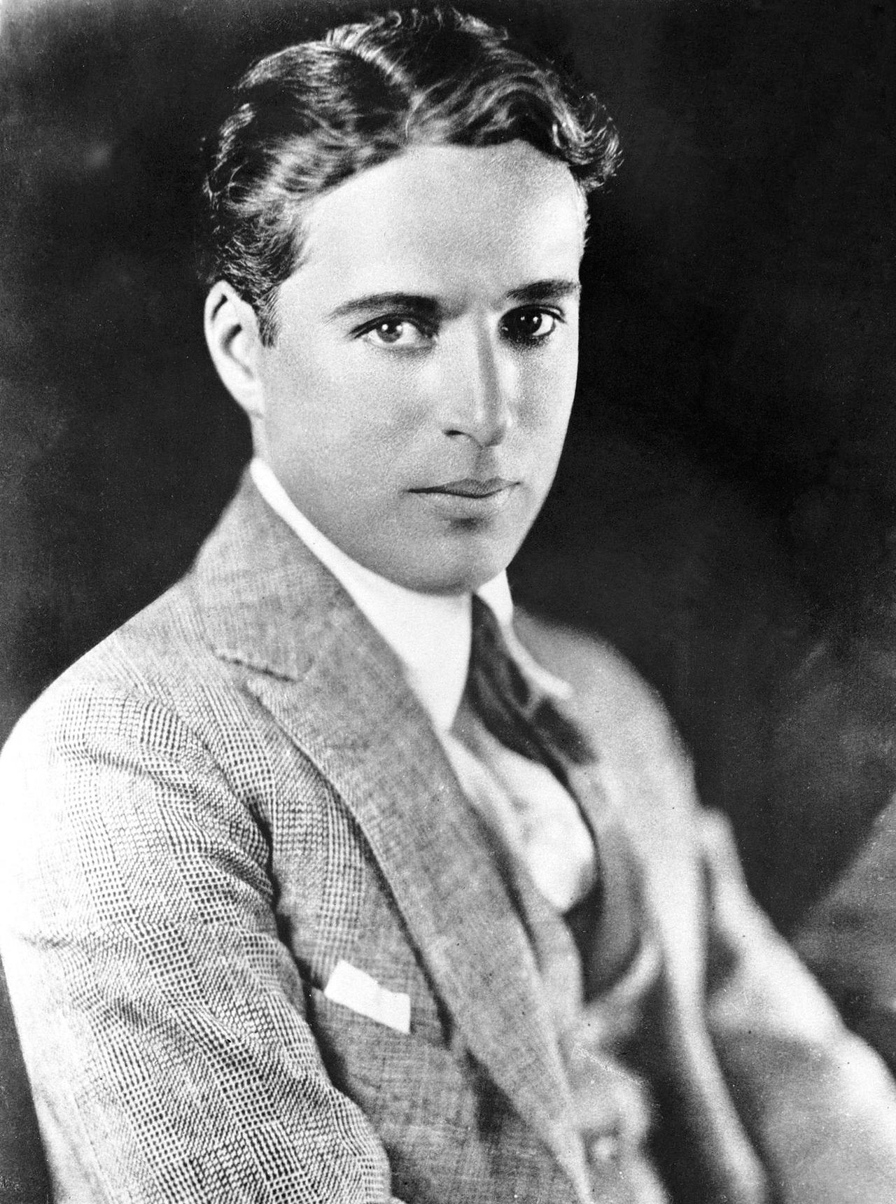 Charlie Chaplin 10