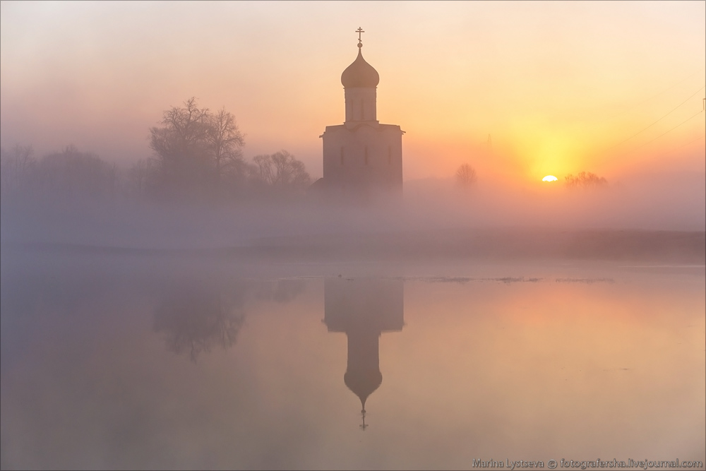 Church of the Intercession on the Nerl dawn 14