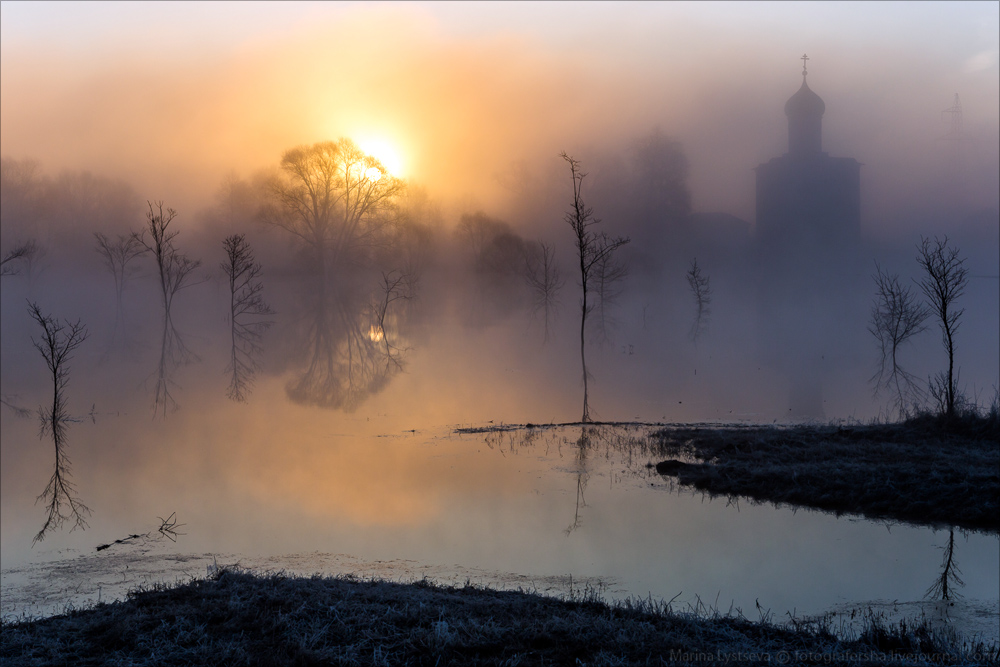 Church of the Intercession on the Nerl dawn 22