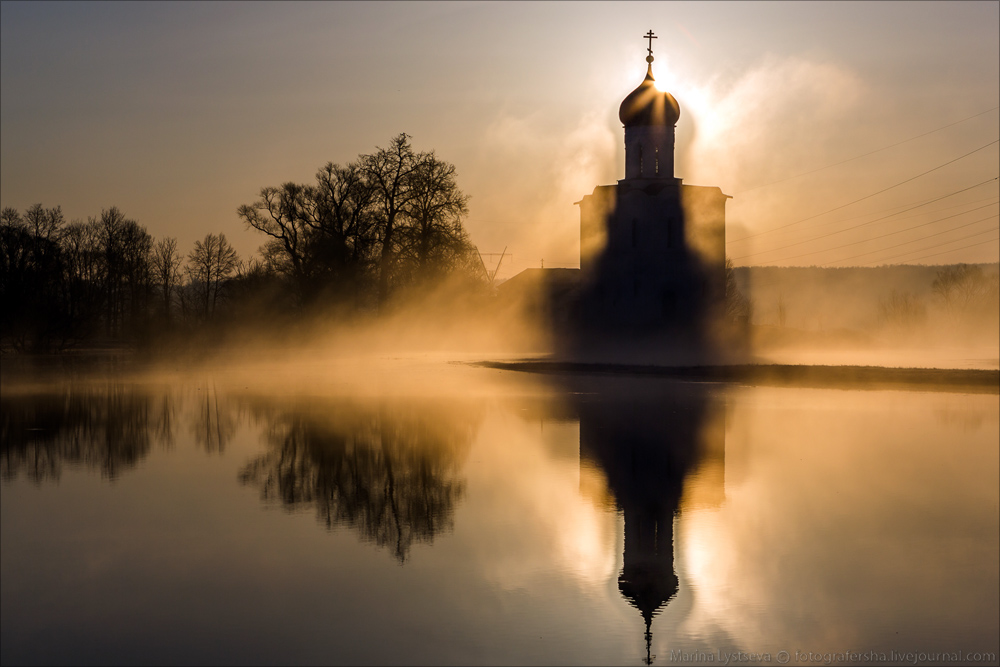 Church of the Intercession on the Nerl dawn 26