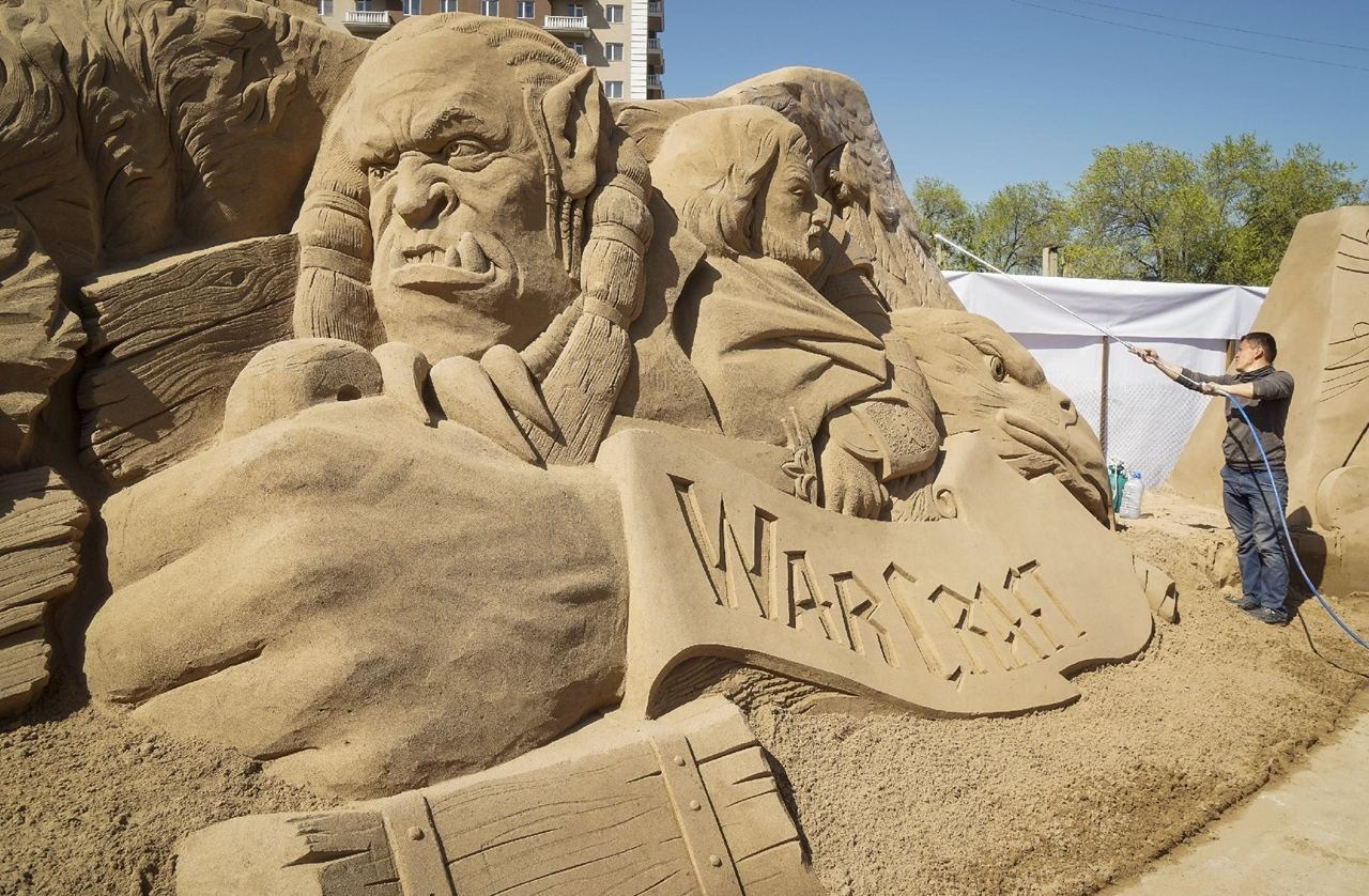 Festival of sculptures from sand in Kazakhstan 02