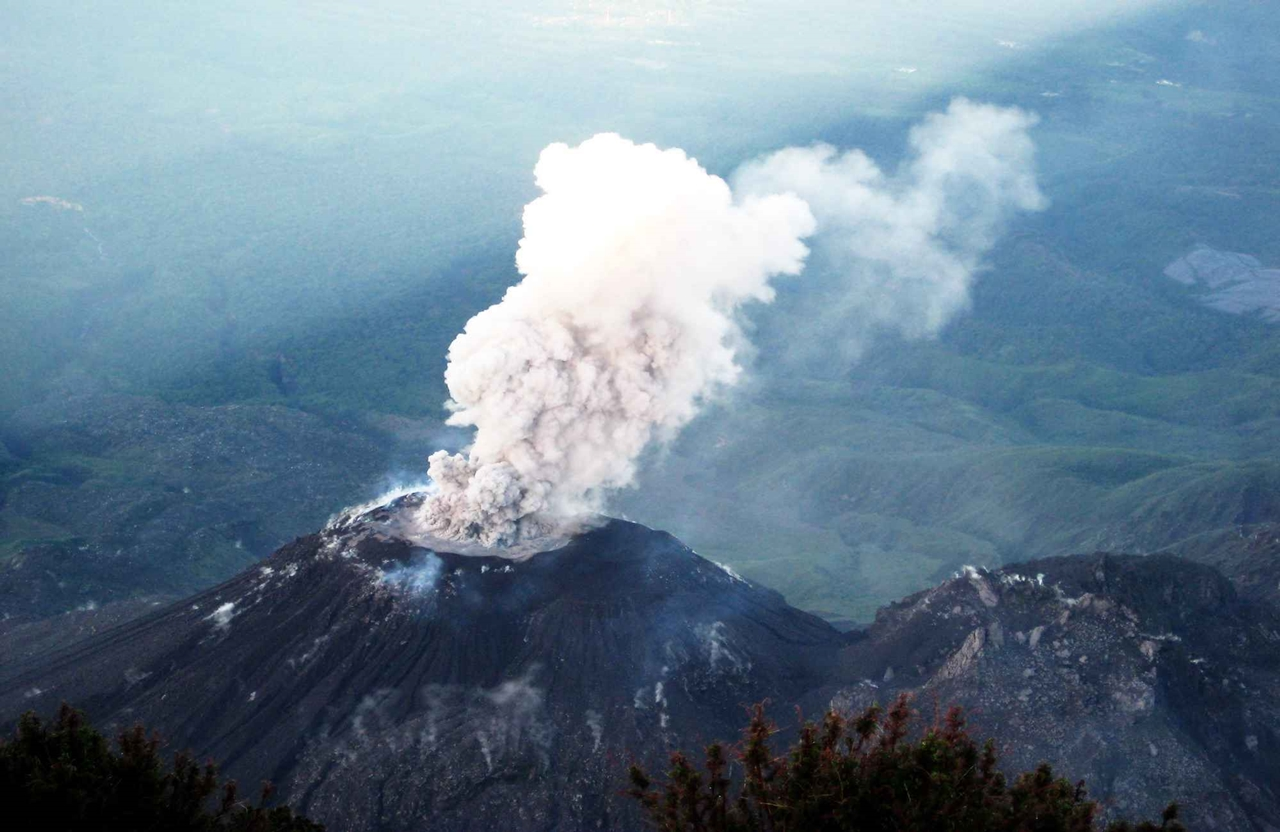 Interesting pictures of volcanoes 05