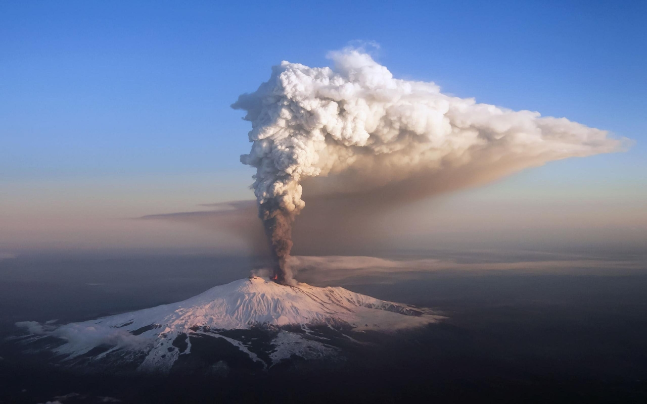 Interesting pictures of volcanoes 11
