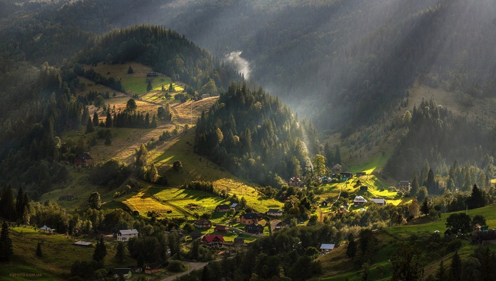 Picturesque highlands of the Carpathian mountains for an unforgettable vacation 12