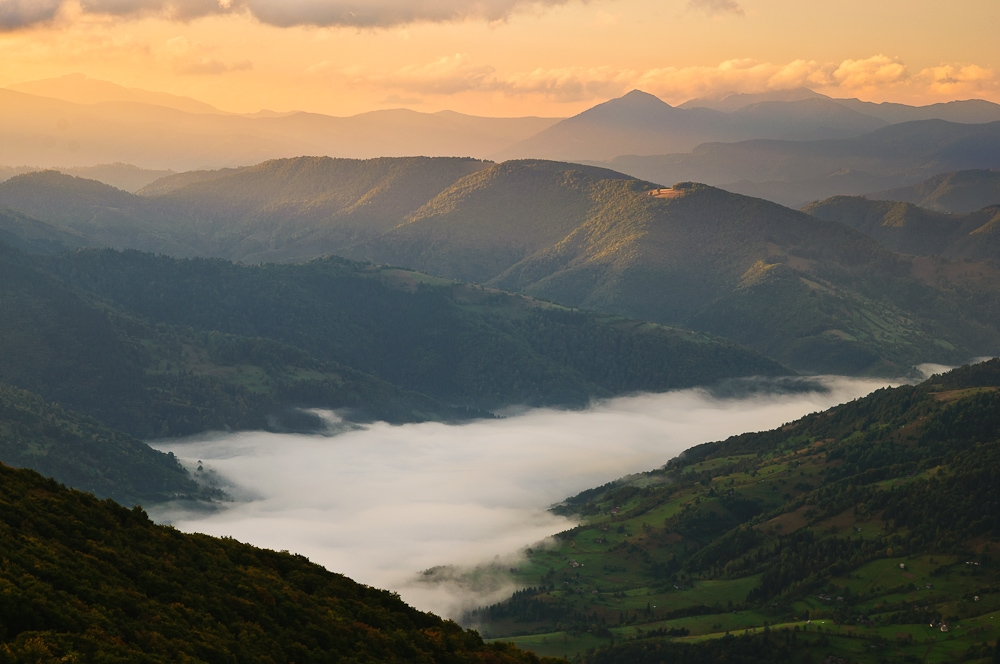 Picturesque highlands of the Carpathian mountains for an unforgettable vacation 16
