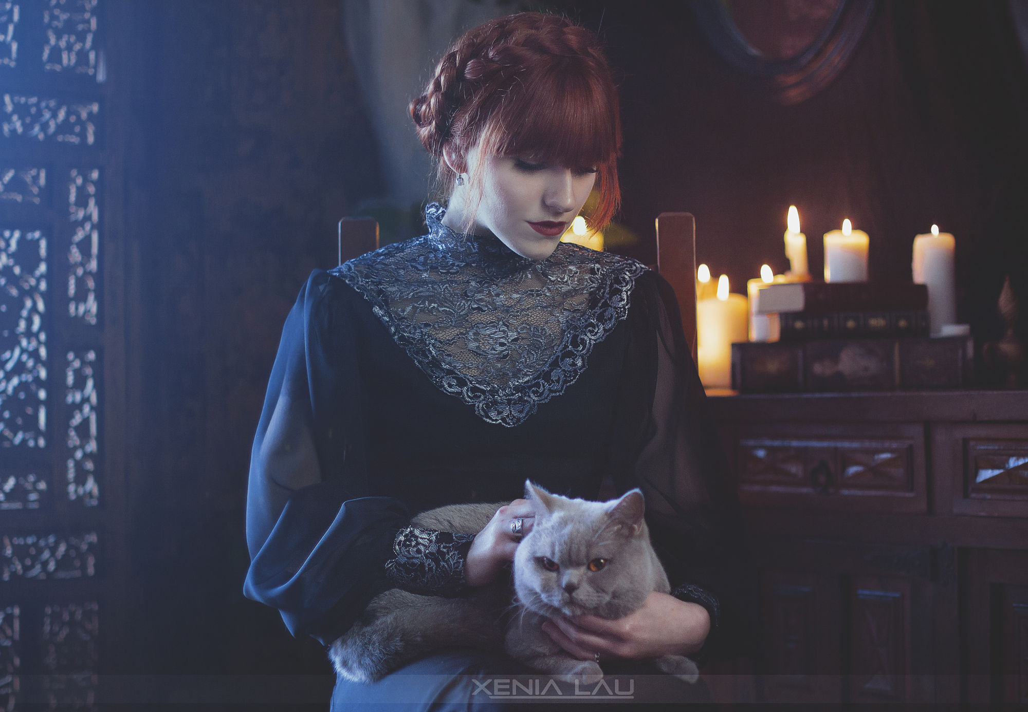 Portraits of girls with cats, like from the Renaissance 01