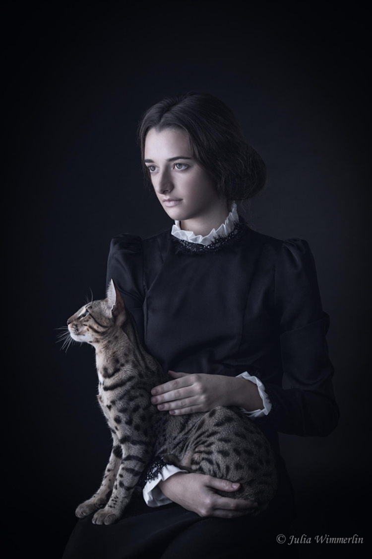Portraits of girls with cats, like from the Renaissance 09
