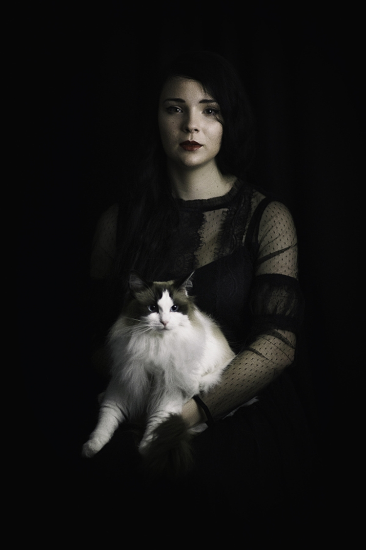 Portraits of girls with cats, like from the Renaissance 17