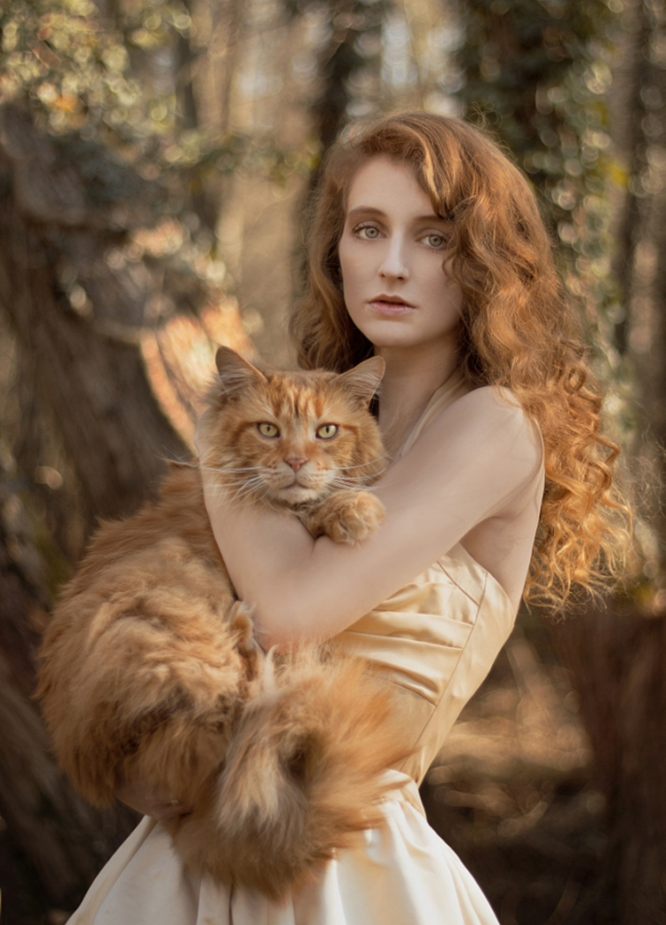 Portraits of girls with cats, like from the Renaissance 22