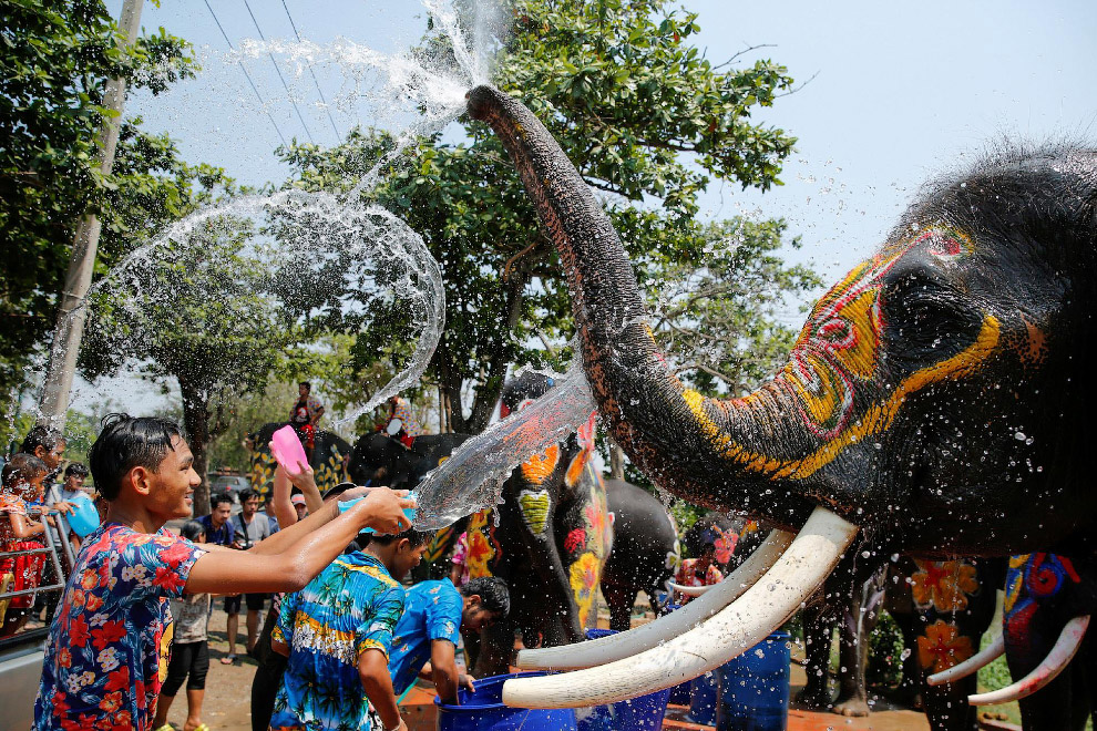 Songkran — Thai New year 01
