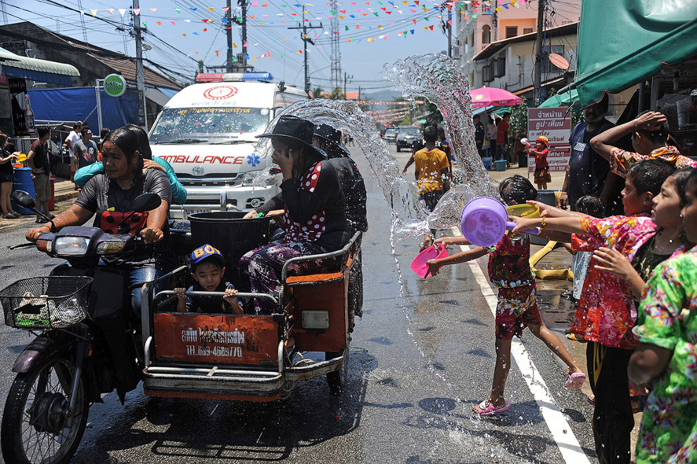 Songkran — Thai New year 09