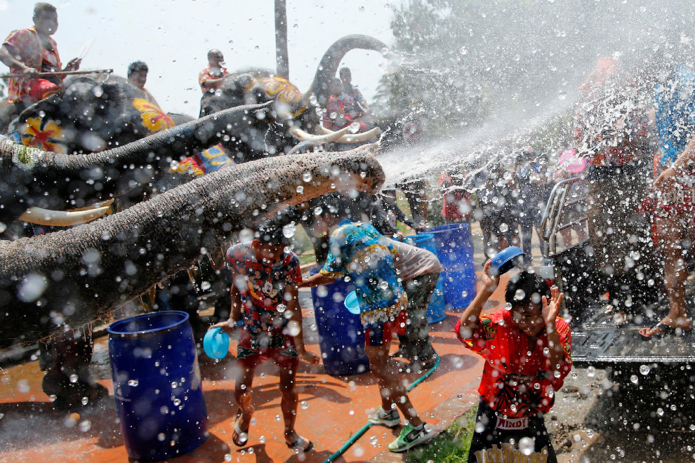 Songkran — Thai New year 15