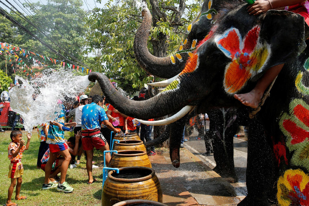 Songkran — Thai New year 22