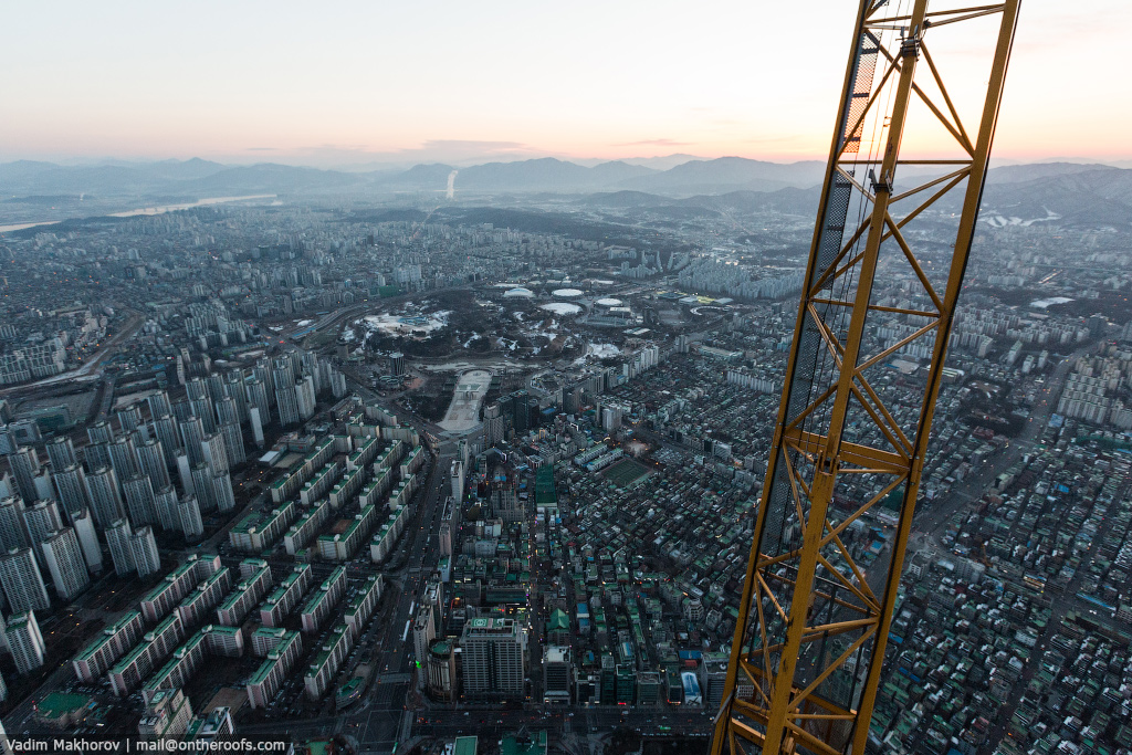 South Korea and the skyscraper, the Lotte World Premium Tower 04