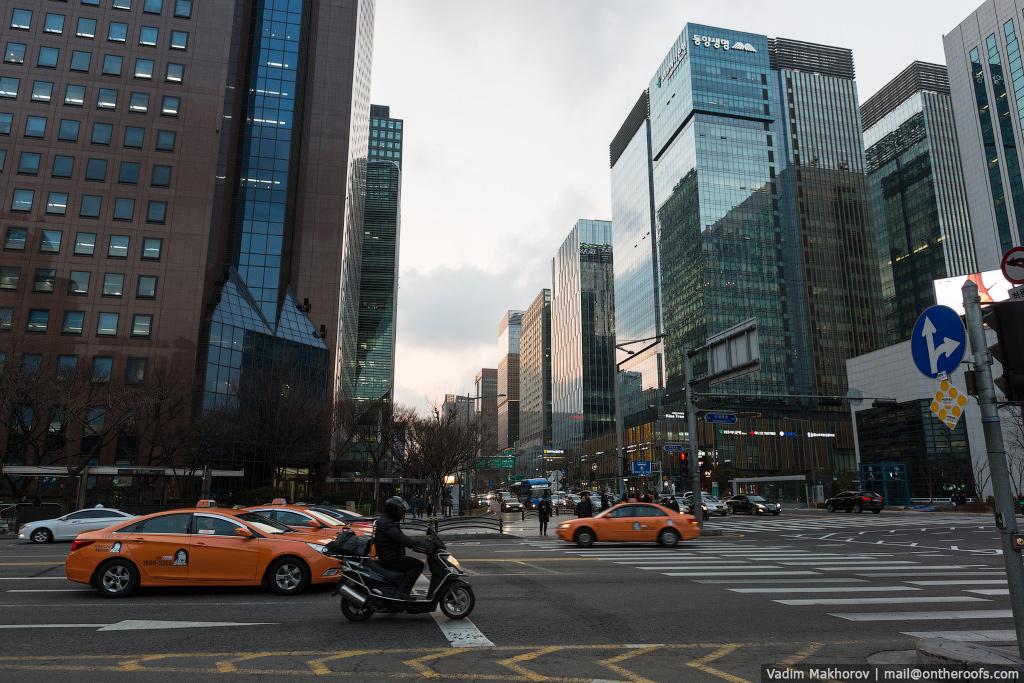 South Korea and the skyscraper, the Lotte World Premium Tower 13