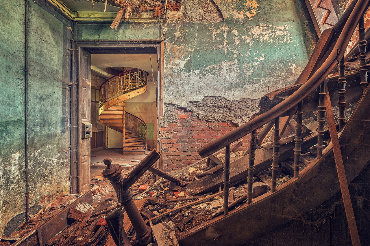 The abstract beauty of abandoned spaces in the works of Matthias Hacker 10