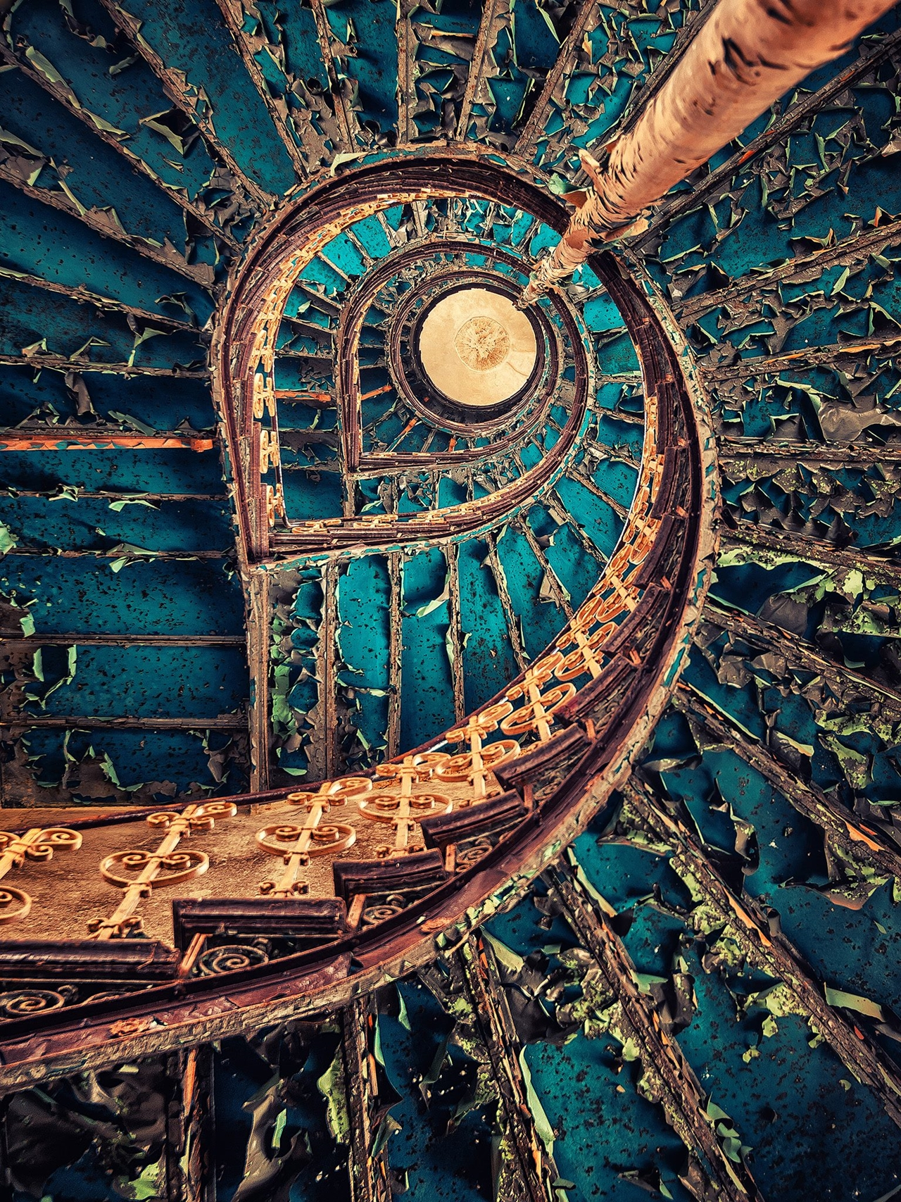 The abstract beauty of abandoned spaces in the works of Matthias Hacker 15
