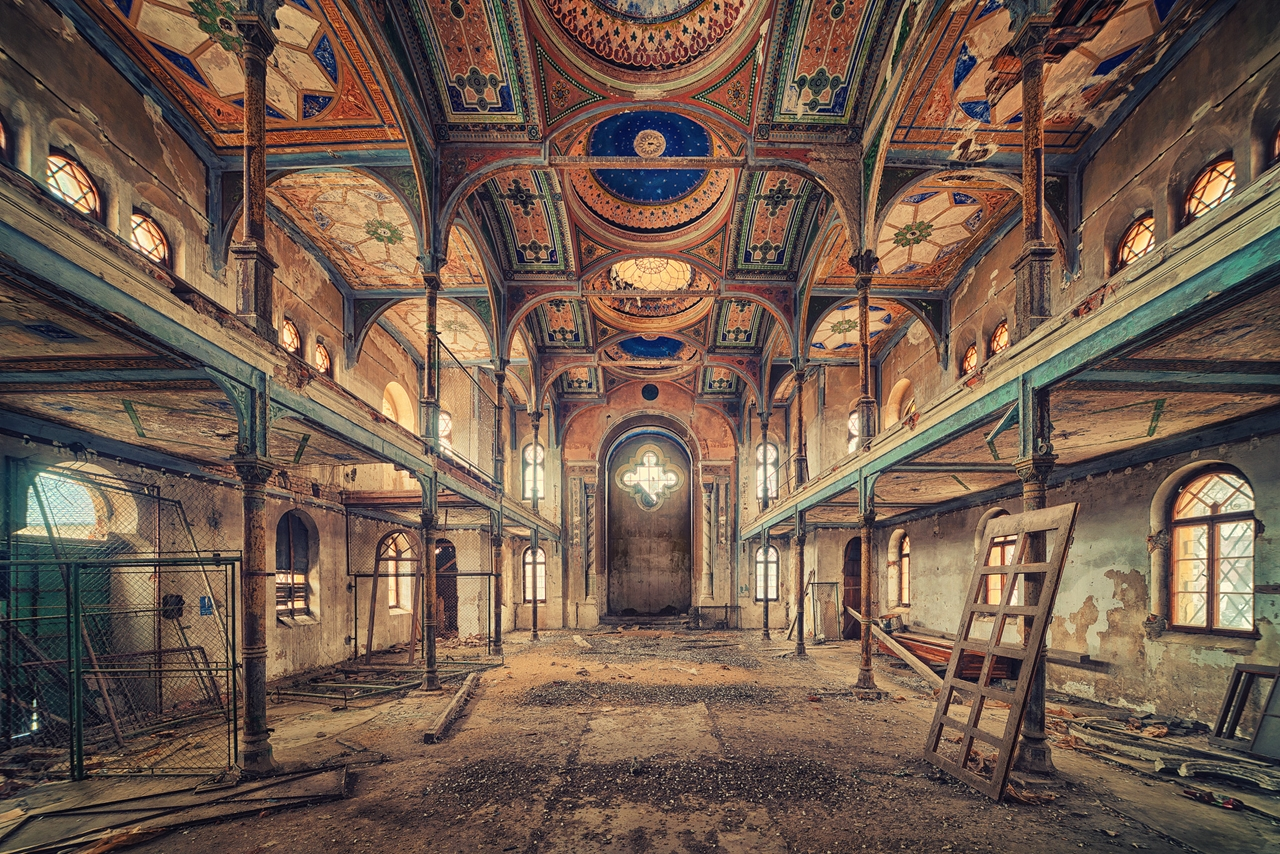 The abstract beauty of abandoned spaces in the works of Matthias Hacker 16
