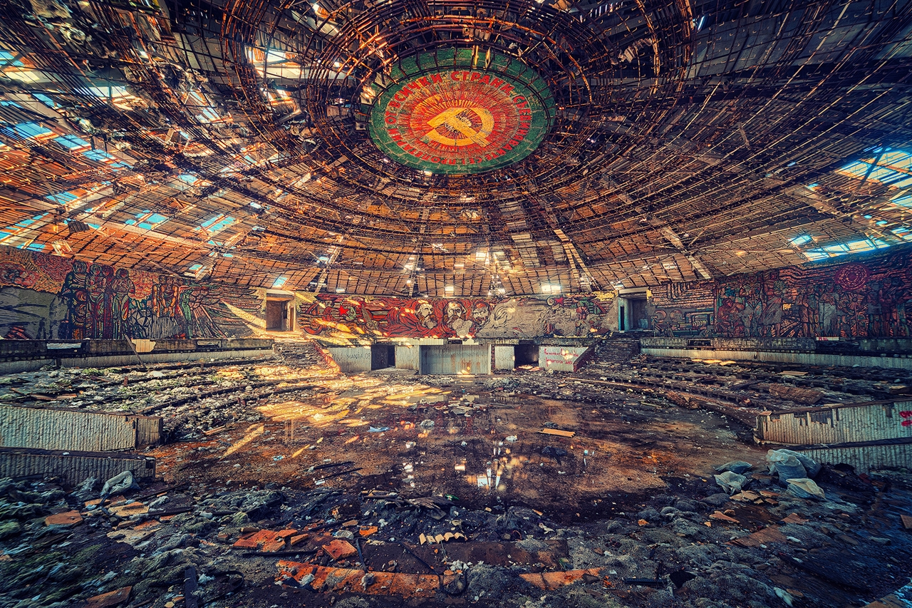 The abstract beauty of abandoned spaces in the works of Matthias Hacker 17