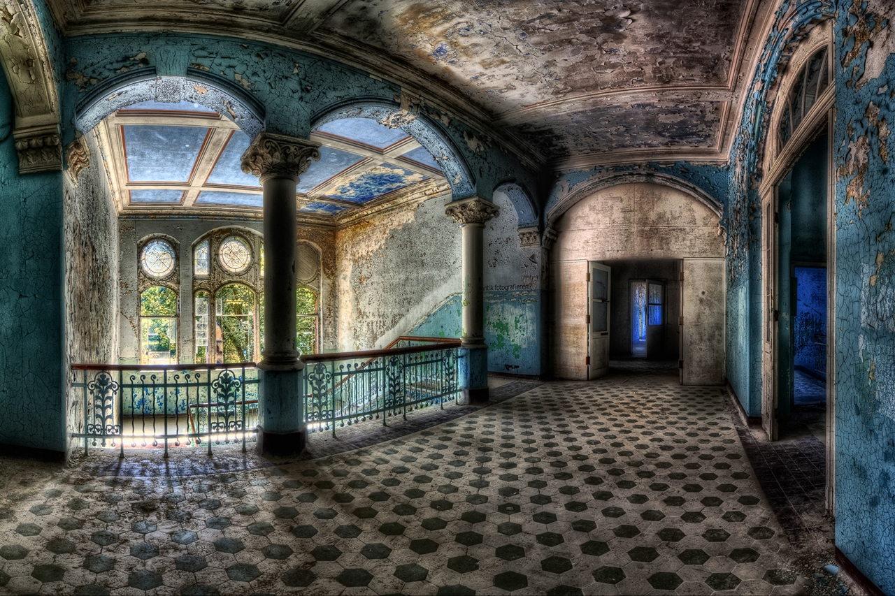 The abstract beauty of abandoned spaces in the works of Matthias Hacker 19