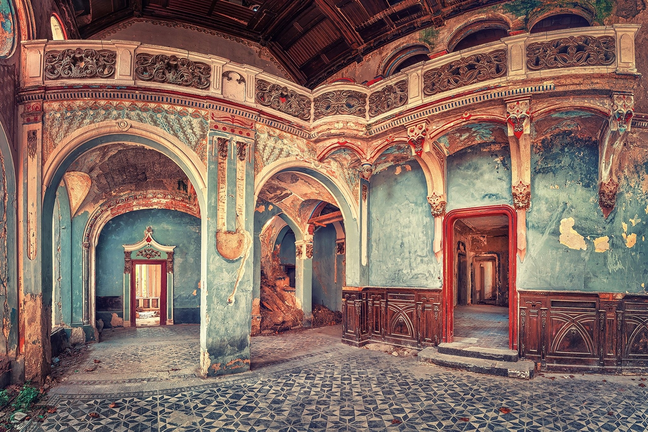 The abstract beauty of abandoned spaces in the works of Matthias Hacker 24