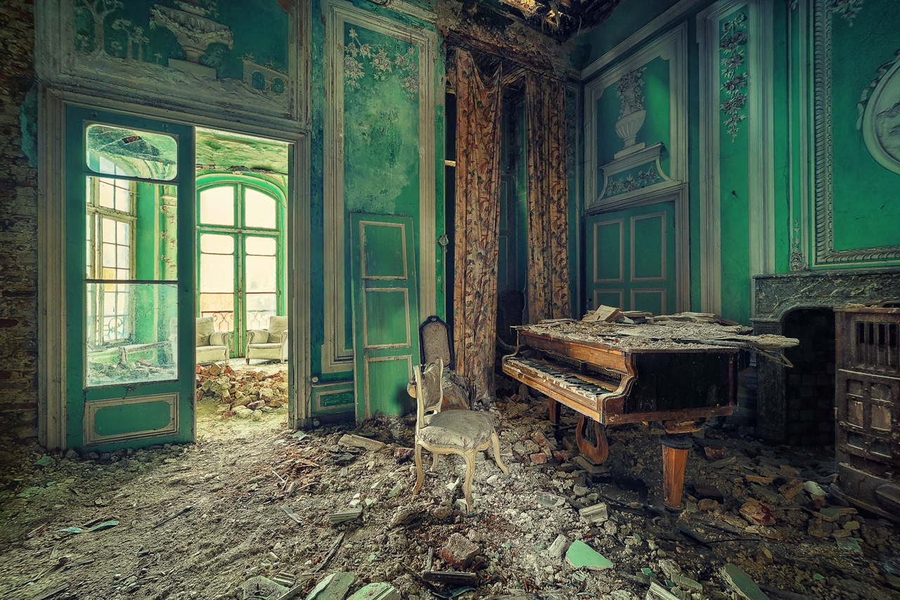 The abstract beauty of abandoned spaces in the works of Matthias Hacker 26