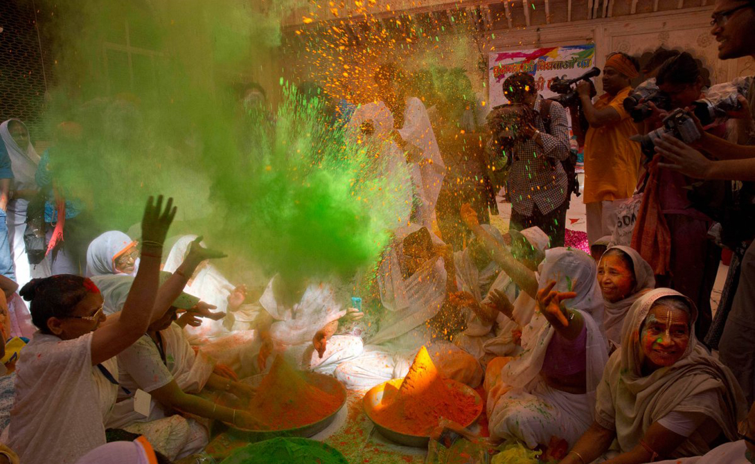 The festival of Holi the most colourful festival in the world 03