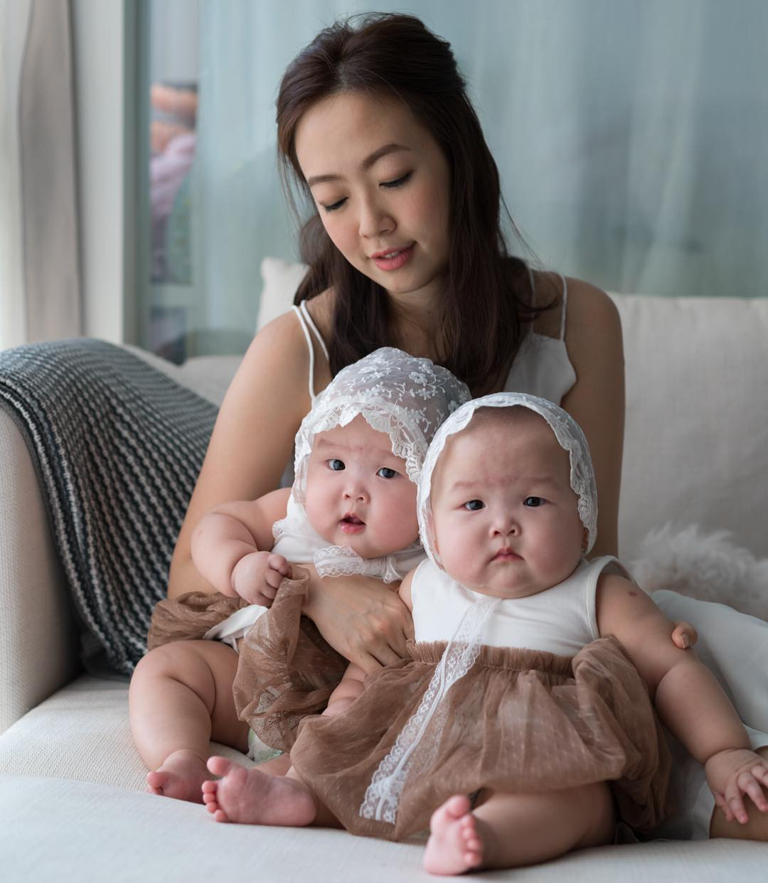 The twins in the wonderful photo shoot, which was created by the mother 02
