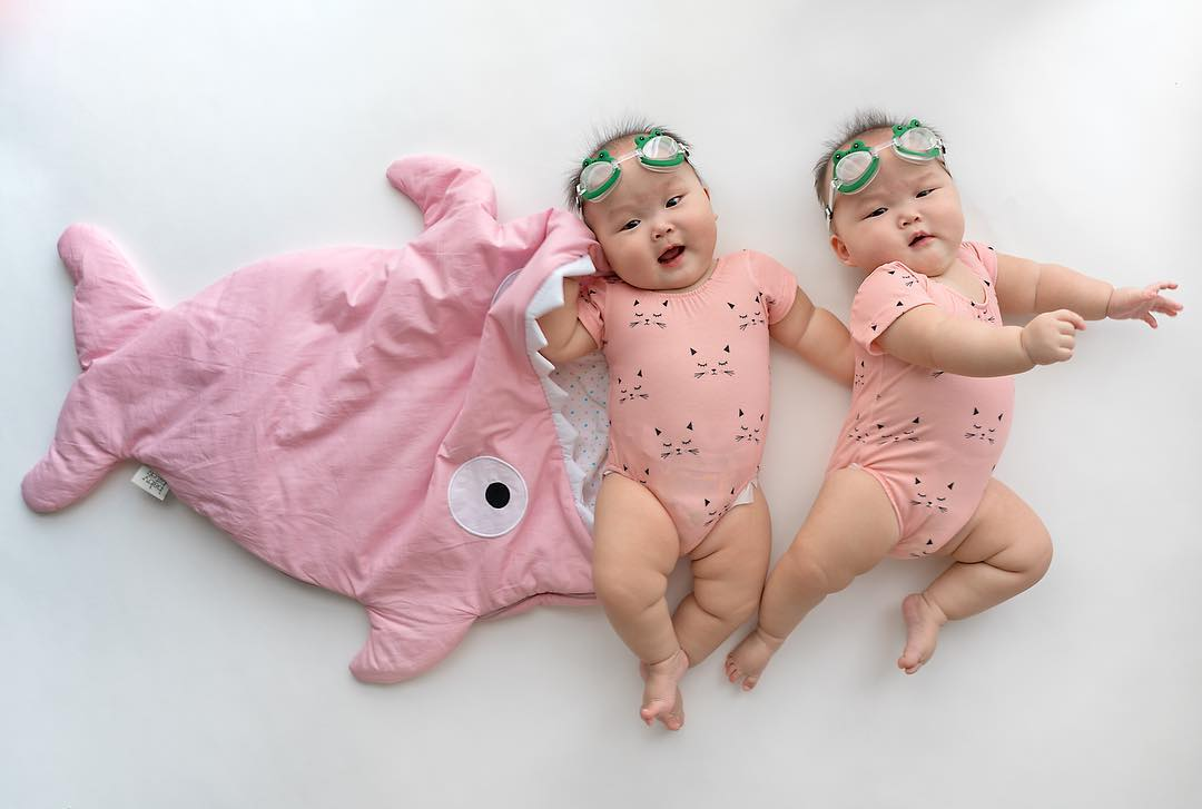 The twins in the wonderful photo shoot, which was created by the mother 14