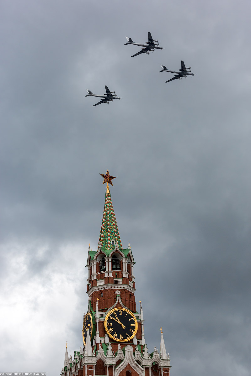 A rehearsal of aircraft parade on Victory Day 09
