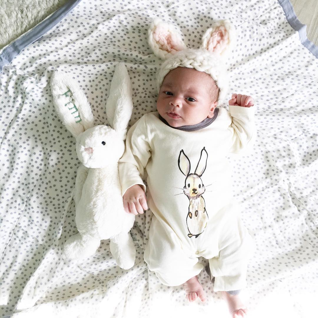 Adorable photo shoot of friendship baby with rabbits, created by the mother 15