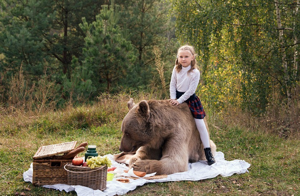 Bear Stepan and his unusual life in a Russian family 13