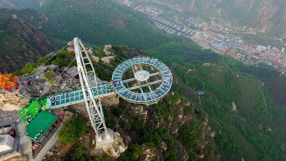 Glass observation deck at a height of 400 meters 10