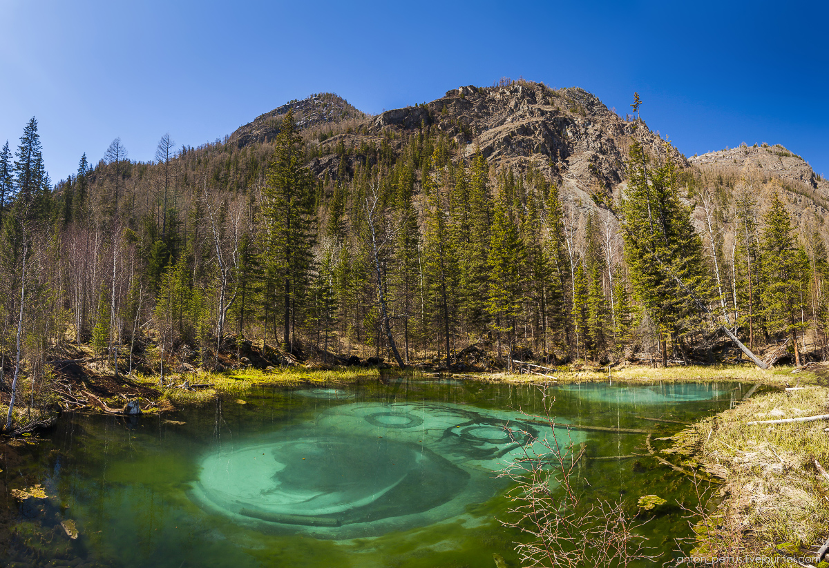 Hot spring lake in the Altai 08