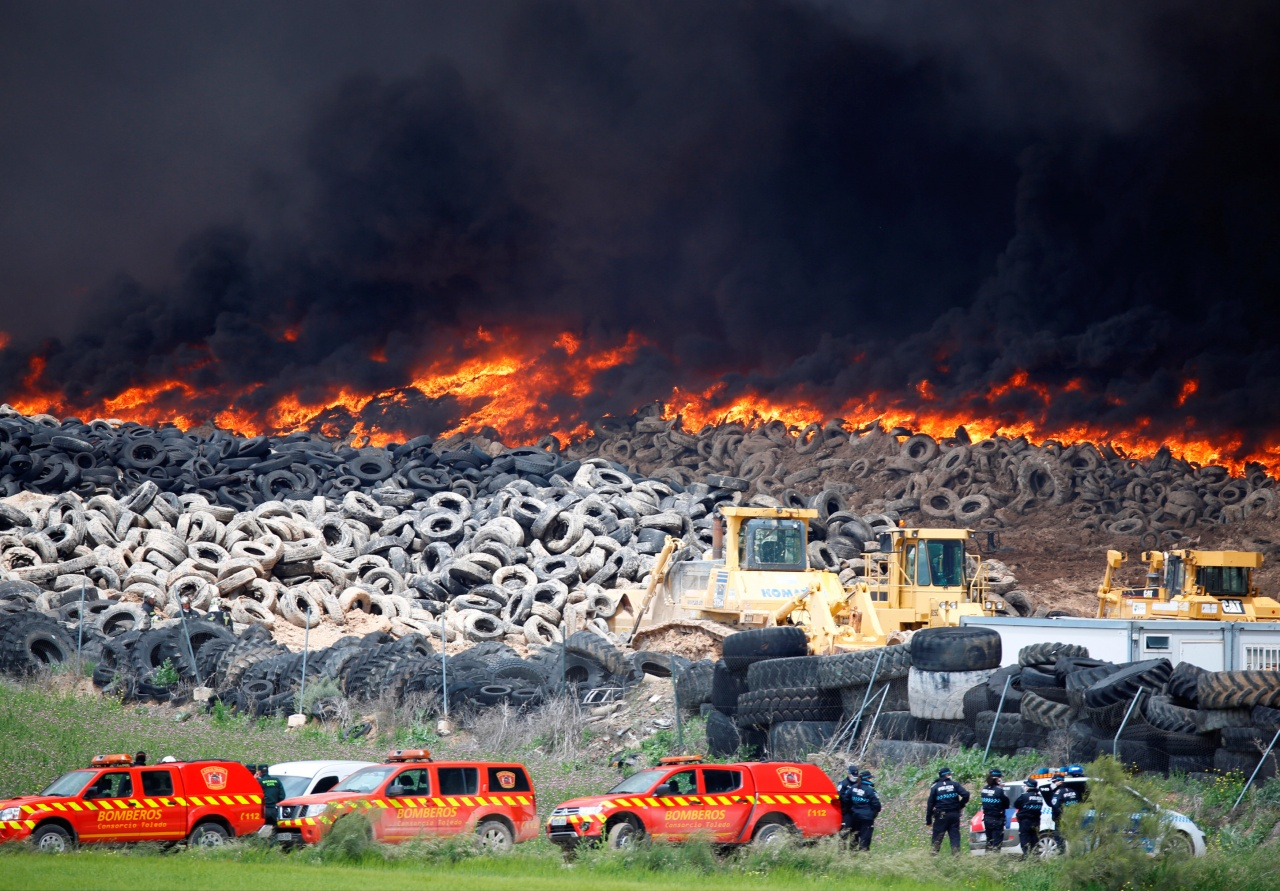 In Europe burned largest landfill tires 01
