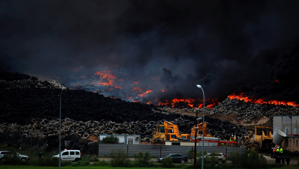 In Europe burned largest landfill tires 02
