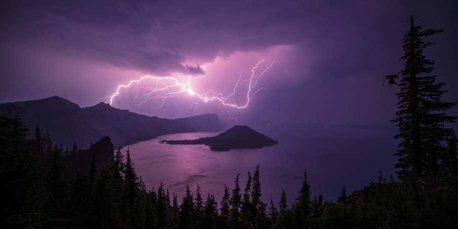 Lightning. natural energy in the lens of professional photographers 03
